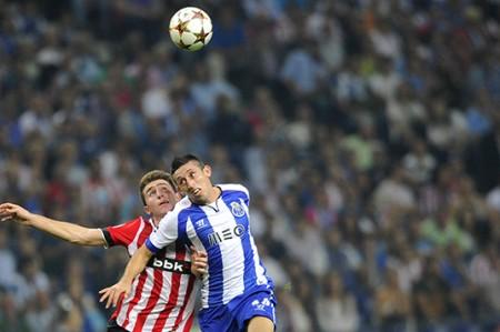 Contento Héctor Herrera por gol que ayudó a conseguir 'merecida' victoria