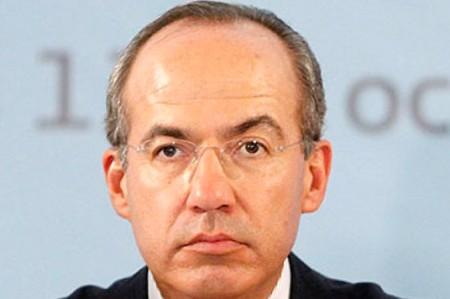 Acusan a Calderón de boicotear nueva ley de casinos