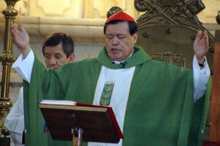 Oran en la Catedral por víctimas de atentado en Barcelona