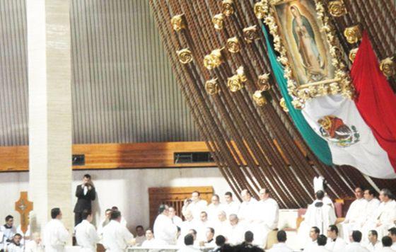 El clero, bajo la presión criminal