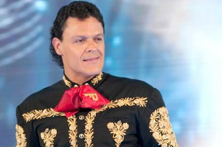 Pedro Fernández recupera su popularidad y se va