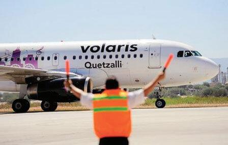 """Volaris flexibiliza vuelos por """"Earl"""""""