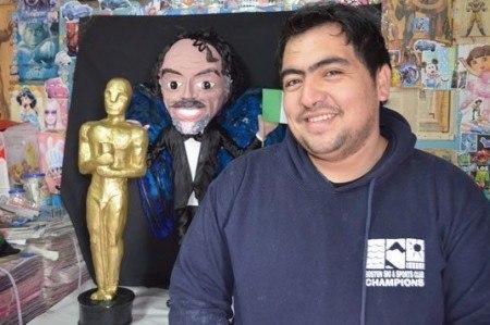 Ahora hacen piñata de 'El Negro' Iñárritu; video