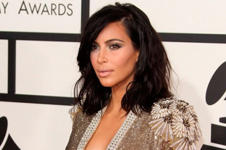 Kim Kardashian publica fotografía de su bebé