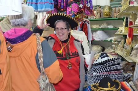 Visitan cien Winter Texans el mercado Zaragoza