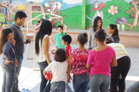 Festejan a niños de la casa hogar en Reynosa