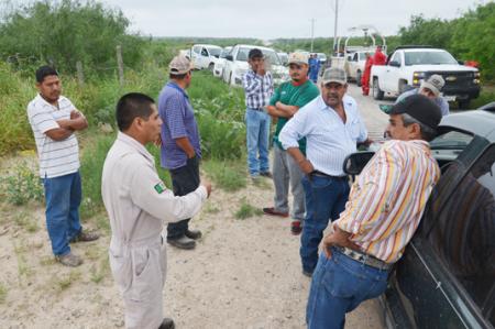 Ejidatarios bloquean brecha 'El Becerro'