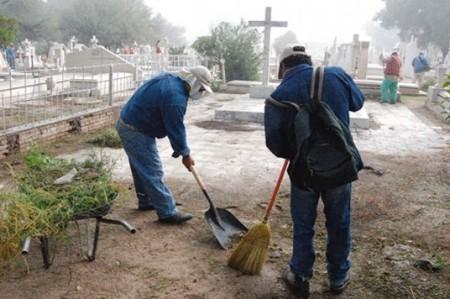 Vigilarán panteones en 'Día de Muertos'