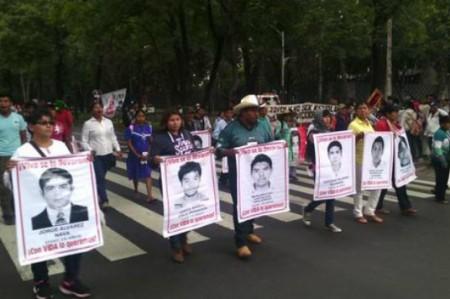 Padres de los 43 esperan informe especial sobre caso Ayotzinapa