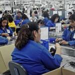 """G1805947.JPG TIJUANA, BC.- Crisis-Desempleo. El director de CITTAC, Jaime Cota considera que el desempleo podría ser muy superior al reportado por el sector patronal y las autoridades estatales, ya que muchas empresas, como los talleres de costura, no afilian a sus trabajadores al Seguro Social"""". EGV. Foto: Agencia EL UNIVERSAL."""