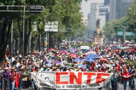 Protestan contra la reforma educativa , en cinco estados