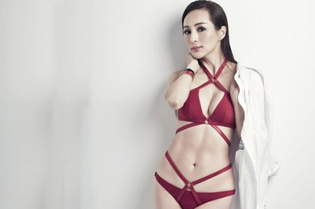 Candy Lo, la modelo de 50 años que está causando asombro