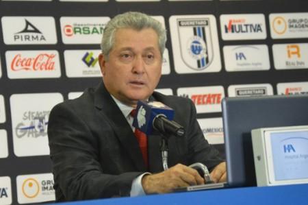 Vucetich quiere que Gallos Blancos reaccione ante líder León