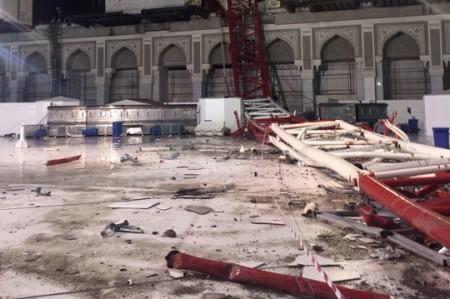 Suman 107 muertos por desplome de grúa en La Meca; videos