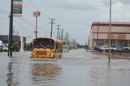 Llegan apoyos a Reynosa para afectados por tromba