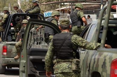 Peña dice que no es labor de militares tareas de vigilancia