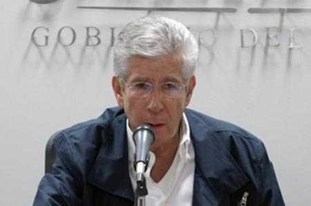 Presentan denuncia contra Ruiz Esparza por socavón en Paso Express