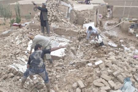Registra Pakistán al menos 15 muertos por sismo en Afganistán