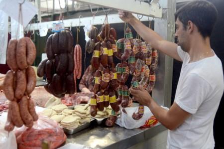 No hay que tener miedo de comerse una salchicha: alemanes