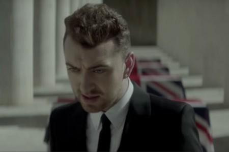 Sam Smith revela video para tema de 'James Bond'