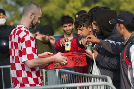Unión Europea urge aportar contribuciones prometidas para crisis de refugiados