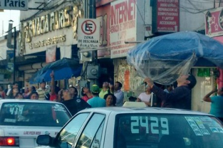Tres 'ovnis' asombran en Poza Rica; fotos
