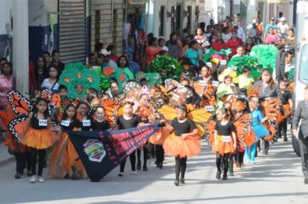 Niños de Jaumave reciben a la mariposa Monarca