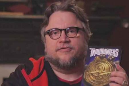 Guillermo del Toro crea mundo invadido por trolls; video