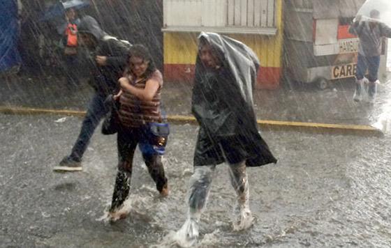 Frío y lluvias afectarán este domingo a gran parte del país