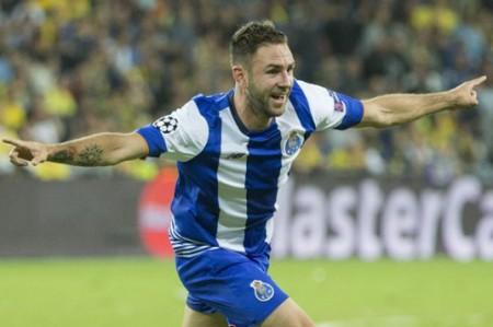 Miguel Layún de vuelta y Omar Govea incluido en práctica de Porto