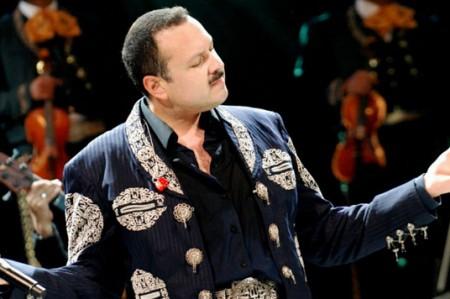 Pepe Aguilar, Julión y Playa Limbo llevan su música a foros del país