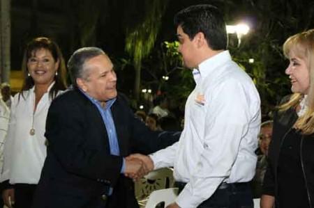Reconoce Gustavo Torres apoyo  del SNTE  en escuelas de Tampico