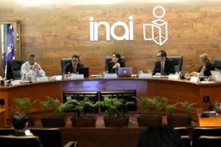 INAI refrenda compromiso de aplicar nueva Ley de Transparencia