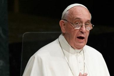 Cardenales se levantan contra el Papa en las calles