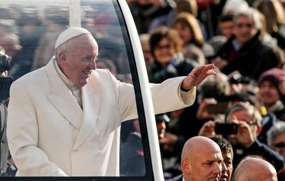 vPublican libros sobre el papa Francisco