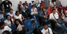 Jóvenes tendrán becas para evitar deserción escolar