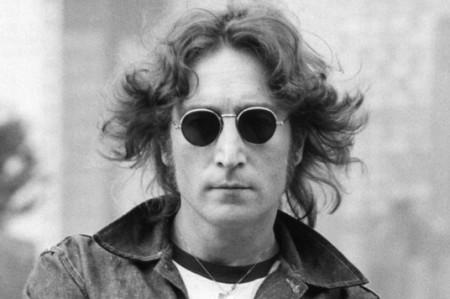 Subastarán mechón de cabello de John Lennon en Dallas