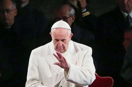 Solicitarán al Papa investigar los abusos de cura en colegio