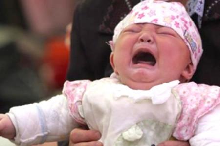 Venden a su bebé para comprarse el nuevo iPhone