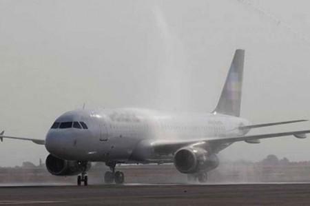 Cerrado Aeropuerto de Puebla por caída de ceniza volcánica