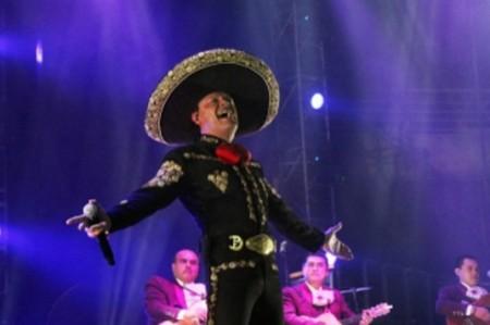 Pedro Fernández afirma que música ranchera dista de pasar buen momento