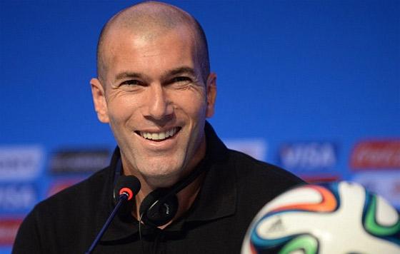Zinedine Zidane pule detalles previo a su primer clásico como técnico