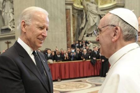 Vicepresidente de EU pide en el Vaticano acción global contra cáncer