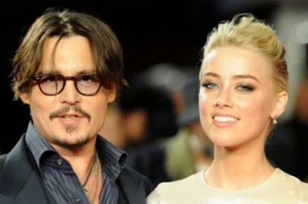 Amigos defienden a Johnny Depp y atacan a Amber Heard