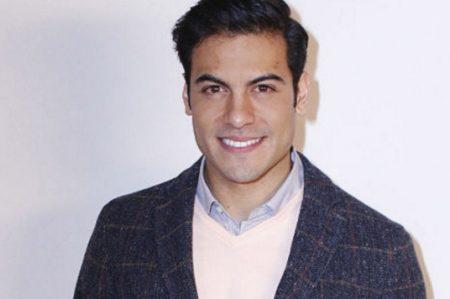Carlos Rivera presume sus músculos
