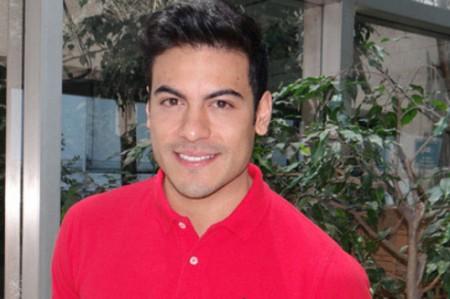 Carlos Rivera sufre esguince de pie durante función de 'El rey león'