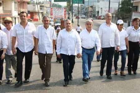 Gustavo Torres participa en conmemoración del Día del Trabajo