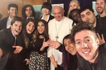 Papa Francisco da consejos a 'Youtuber'