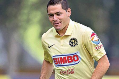 Paraguayo Pablo Aguilar extiende su contrato con América