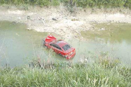 Otro automovilista cae en el canal Rodhe